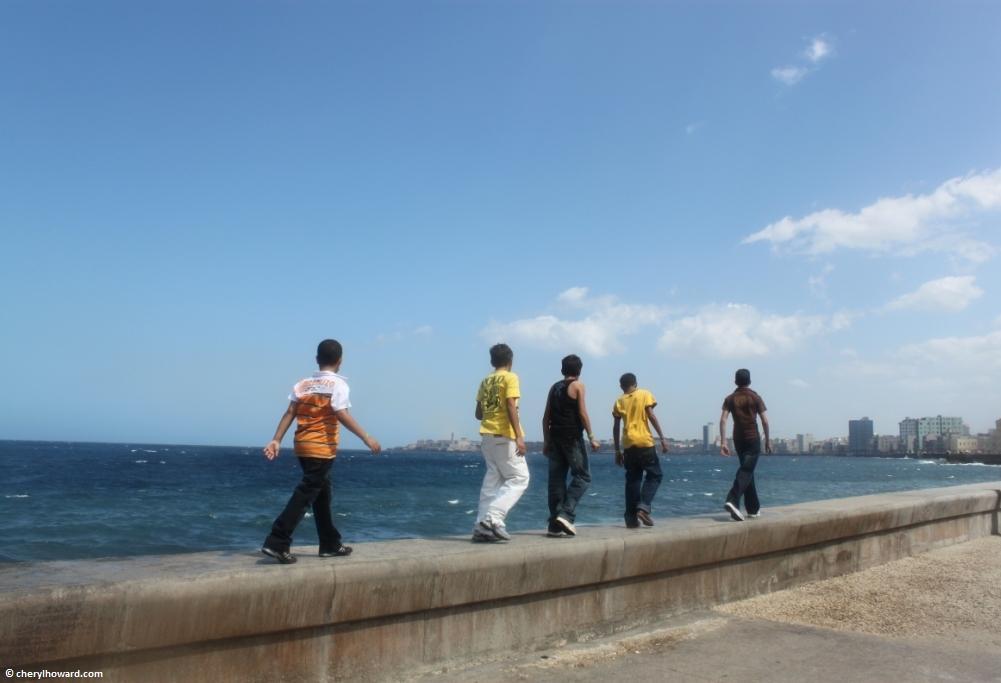 Get Inspired And Walk Along El Malecón In Havana