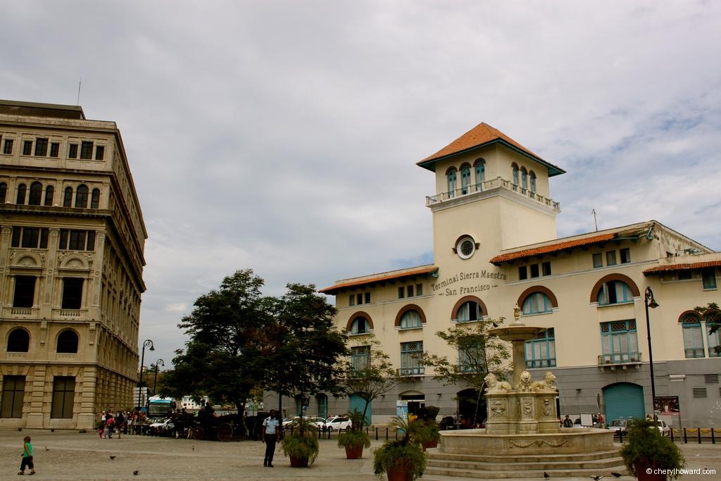 Plaza De San Francisco Station