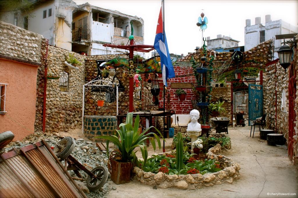 Callejón de Hamel Havana Art Installation