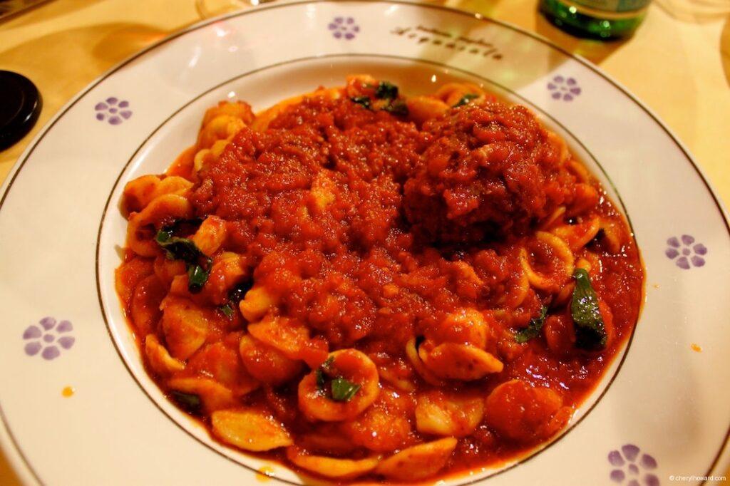 Trattoria Pugliese Acquasala Milan - Pasta With Horse Meat