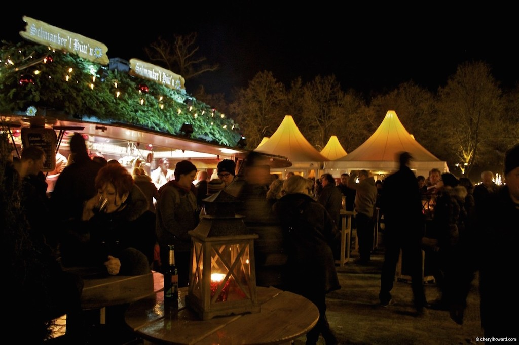 Weihnachtsmarkt Schloss Charlottenburg Eat and Drink