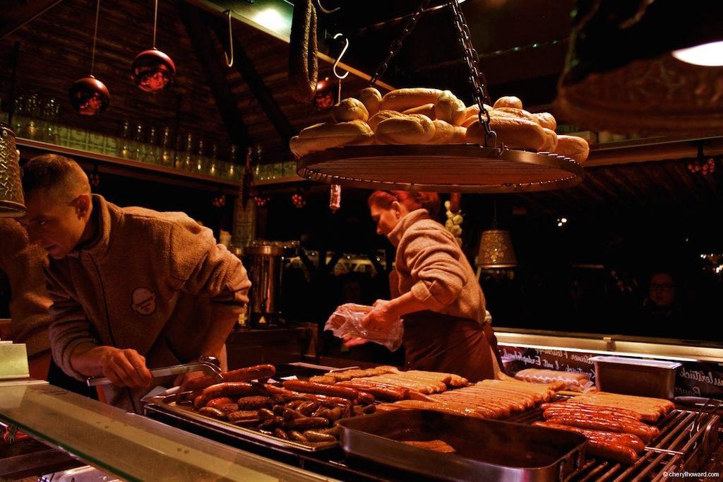Weihnachtsmarkt Schloss Charlottenburg Sausage