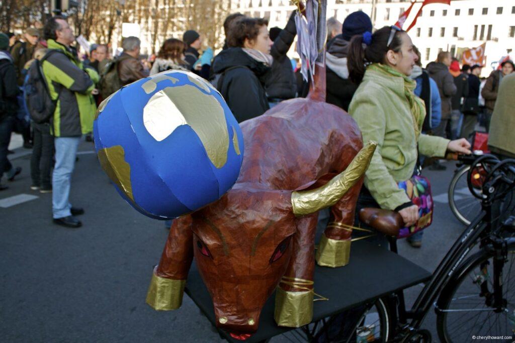 Occupy Berlin US Bull
