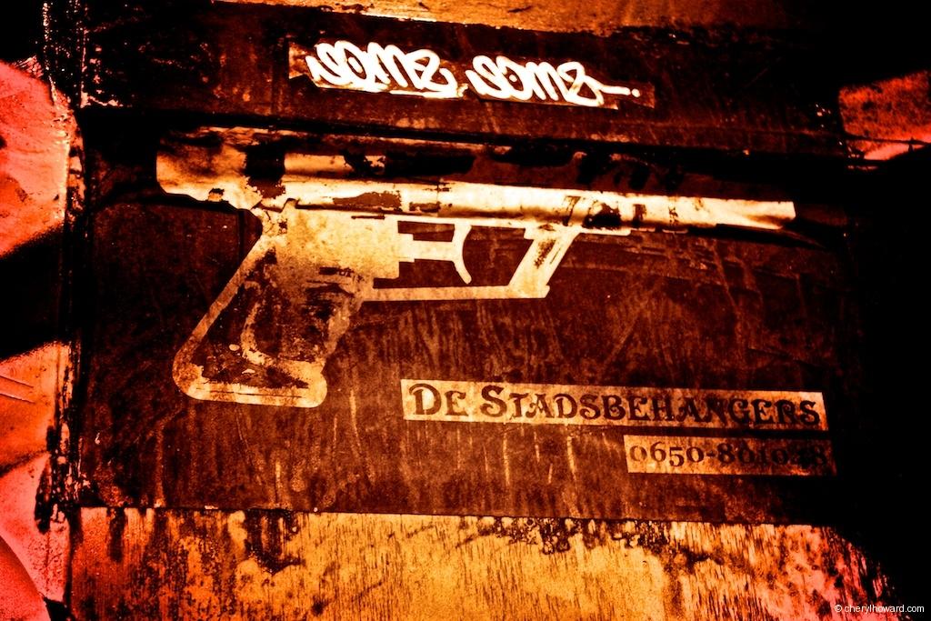 Gun Street Art