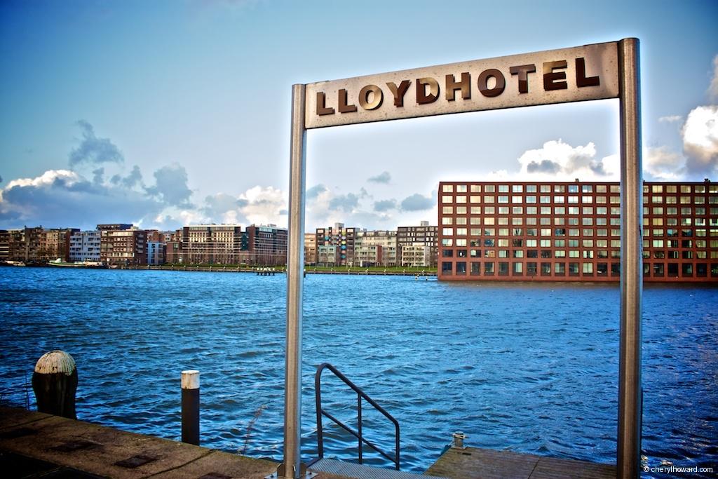 Lloyd Hotel - Sign