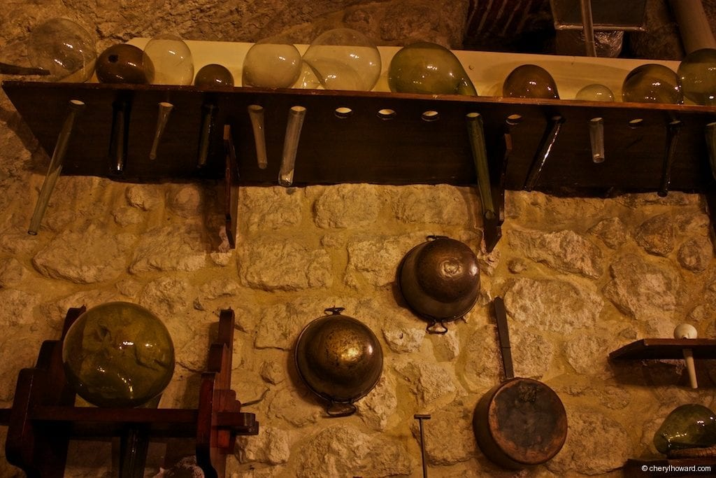 The Pharmacy Museum in Krakow - Pots And More