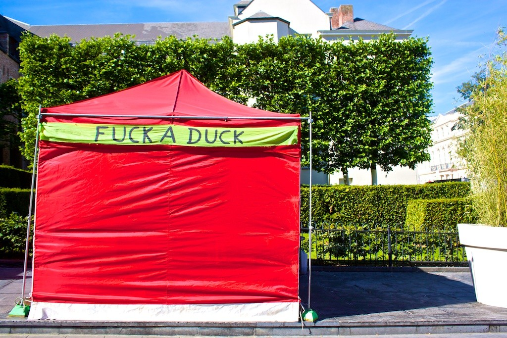 Fuck a Duck in Brussels.