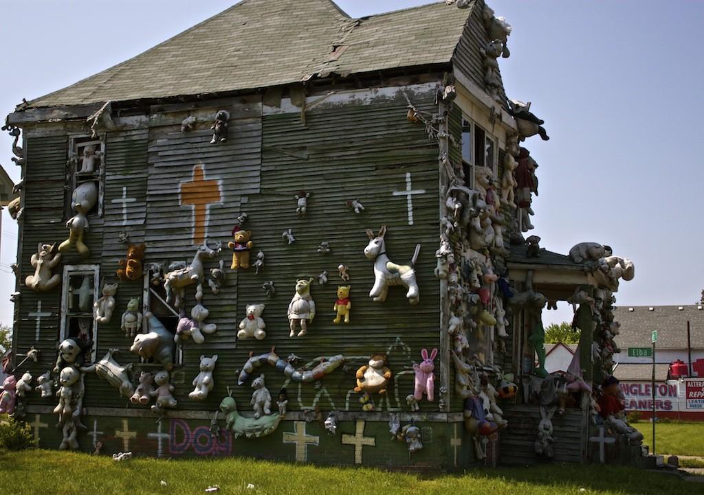 The Heidelberg Project In Detroit - Stuffed Animals