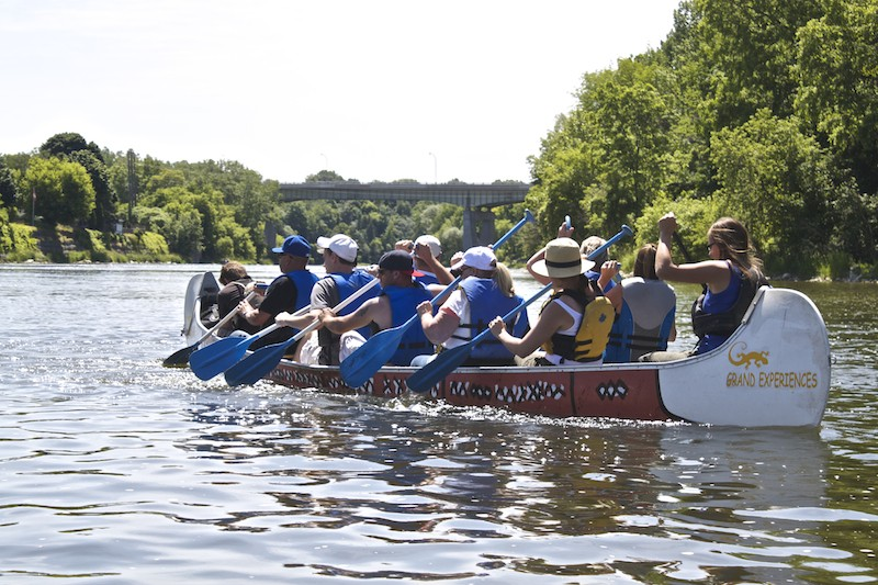 Grand Experience Voyageur Canoe