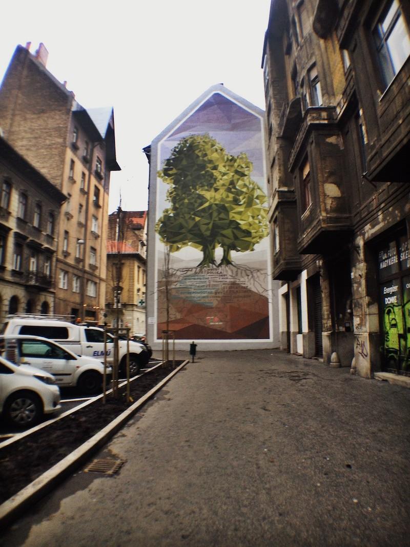 Crystal Tree - Polish-Hungarian friendship Tree in Budapest