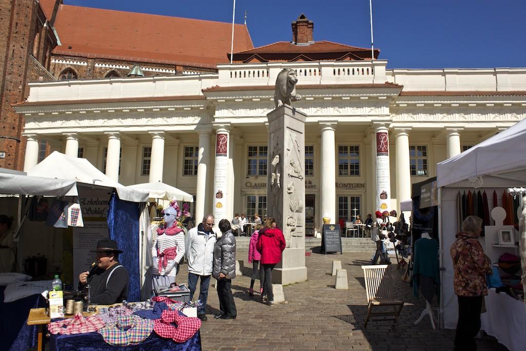 Schwerin Photos - Lion Monument Market Square