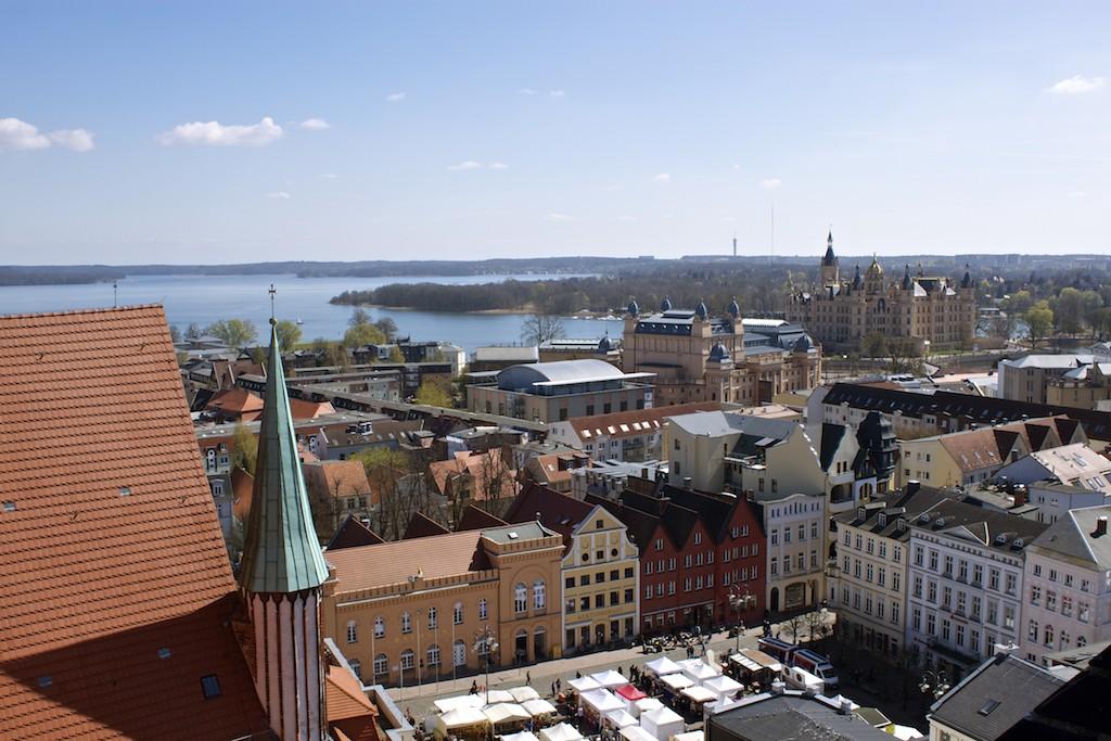 Schwerin Photos - Schwerin Cathedral City View of Schwerin Palace