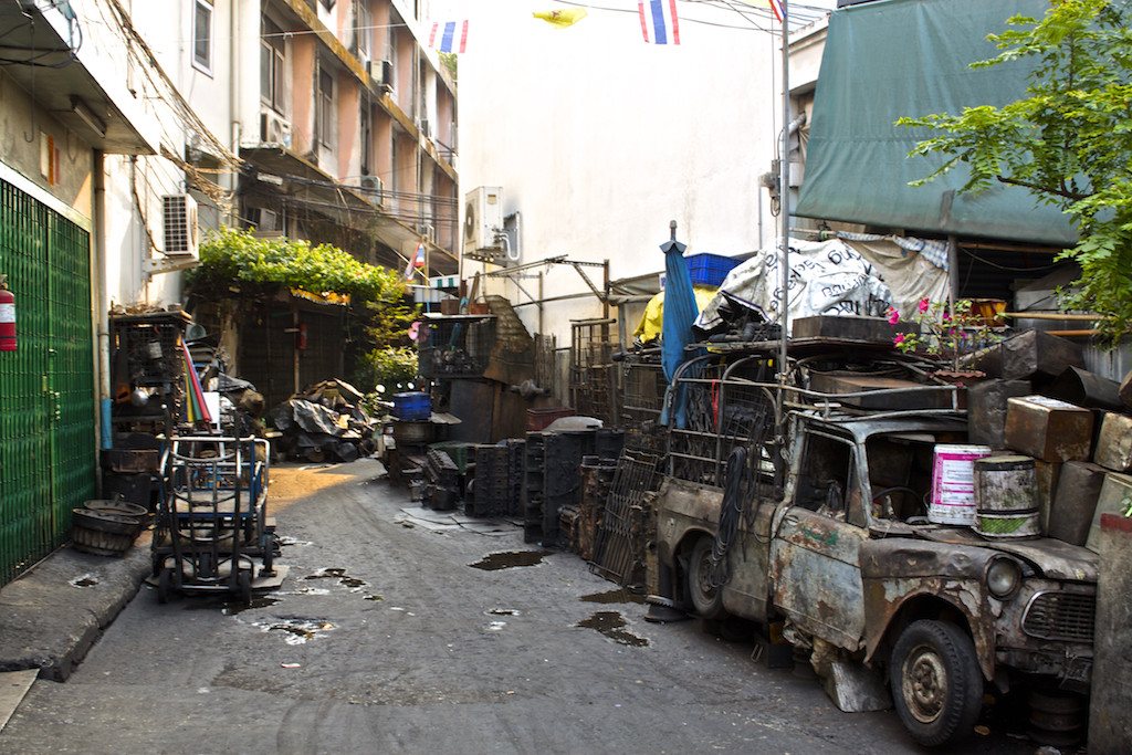 Bangkok Chinatown - Broken Old Car