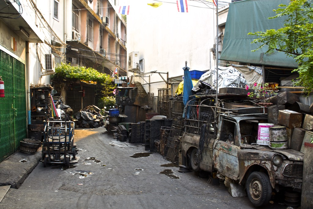 Bangkok Chinatown - Broken Old Car
