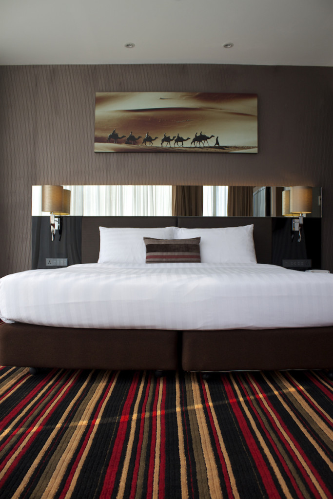 The Continent Hotel in Bangkok - Continent Room Bed Tall