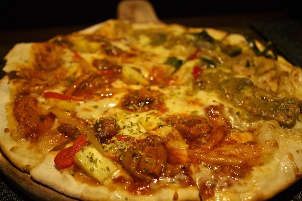 The Continent Hotel in Bangkok - Medinni Pizza