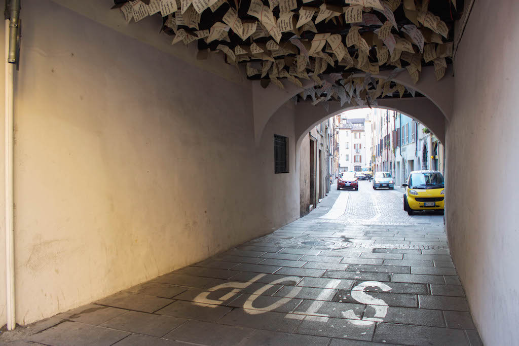 Streets of Brescia - Stop with Notes