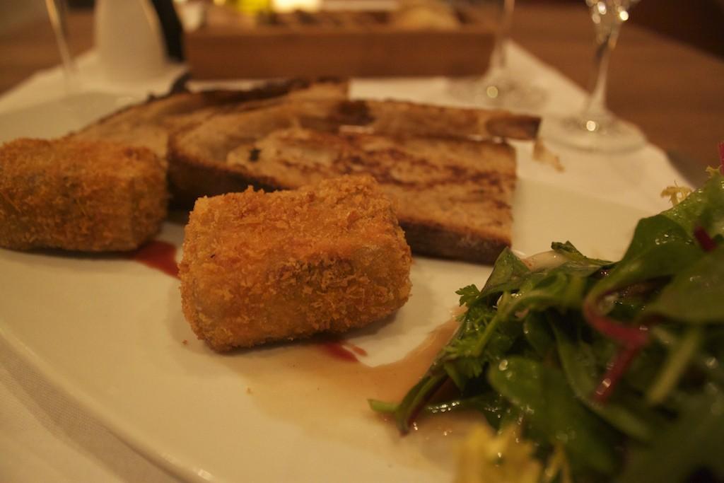 Gastwerk Hotel Hamburg - Restaurant Mangold Cow Head