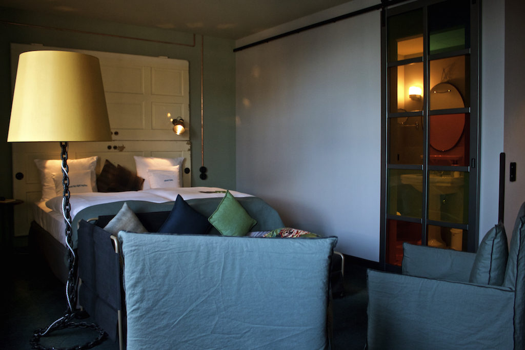 25 Hours Hotel Altes Hafenamt Hamburg M Room Bed