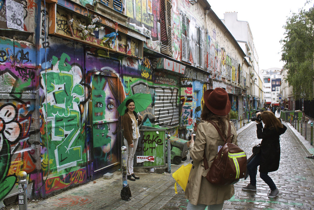 Paris Photos Tourists Street Art Belleville