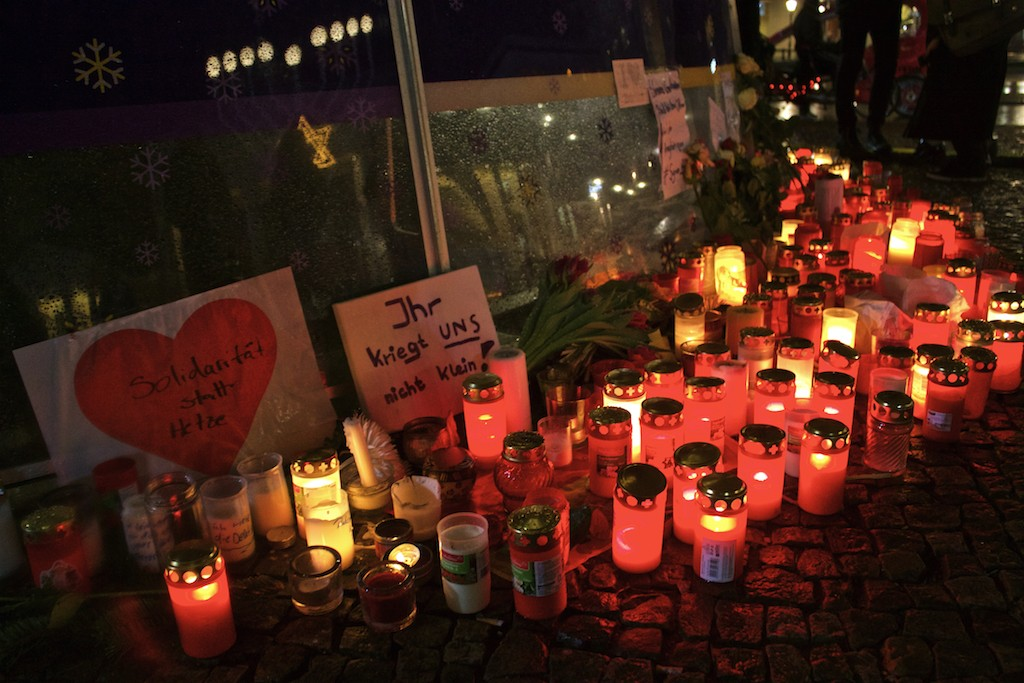 Brandenburger Tor at Christmas - Tribute to Victims of Christmas Market Terrorist Incident