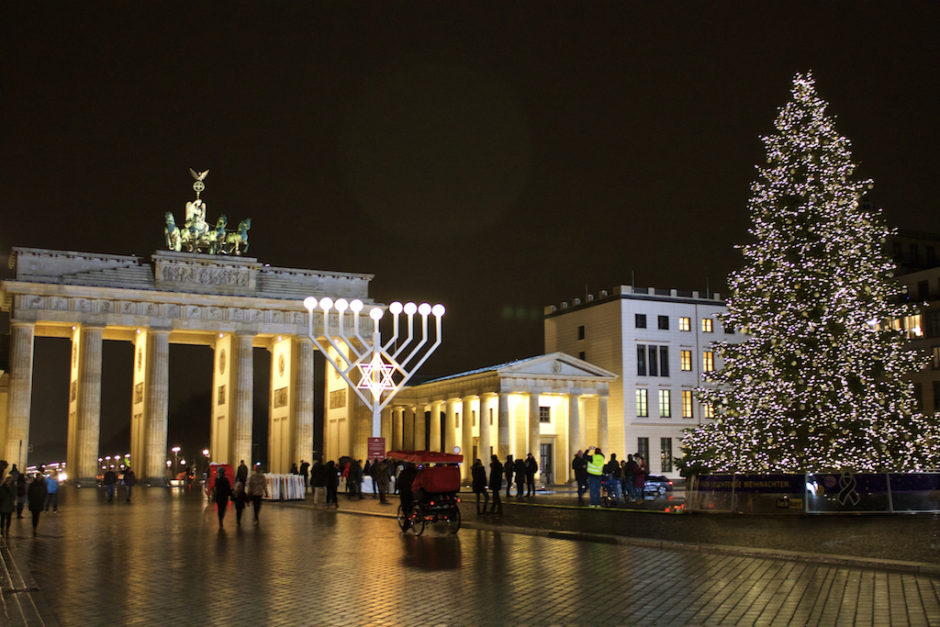 Brandenburger Tor at Christmas - Wide View