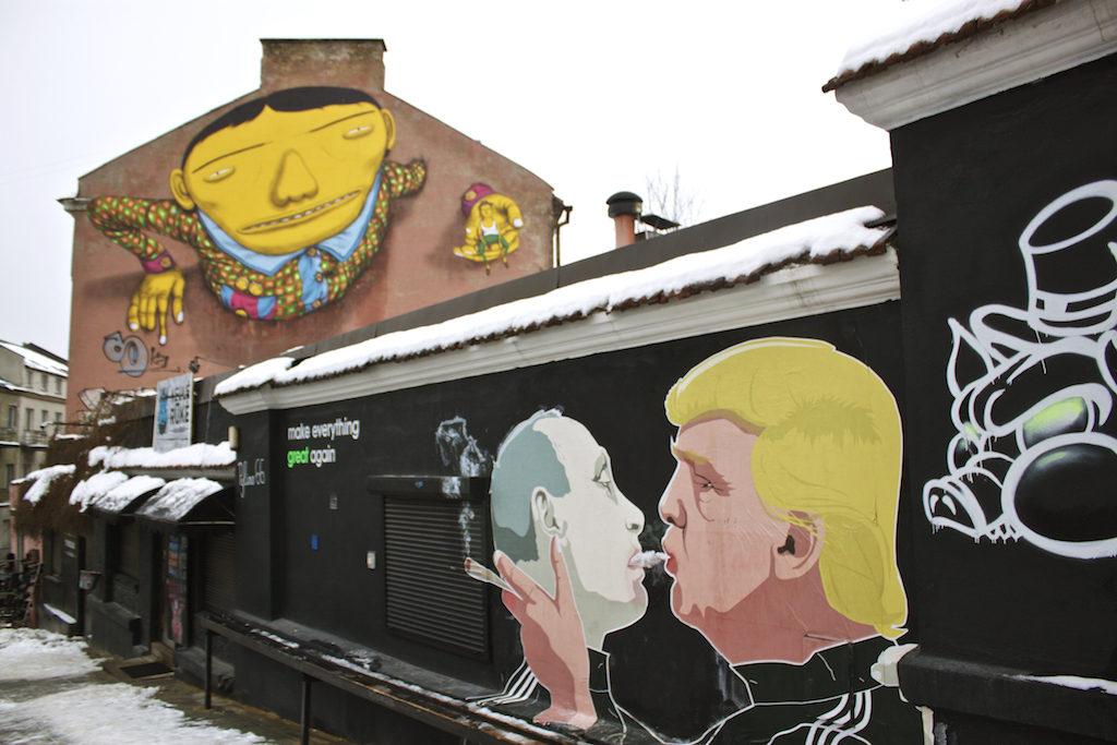 Putin and Trump Shot Gun Street Art in Vilnius - Keule Ruke