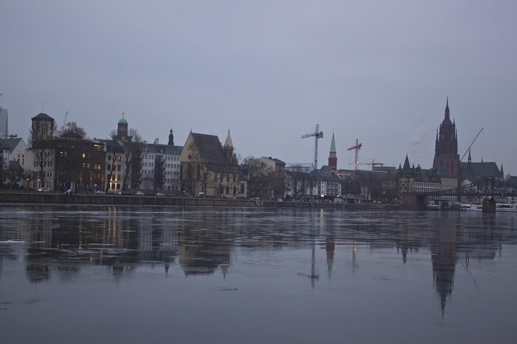 Frankfurt Photo - Reflecting Skyline Main River Aldstadt