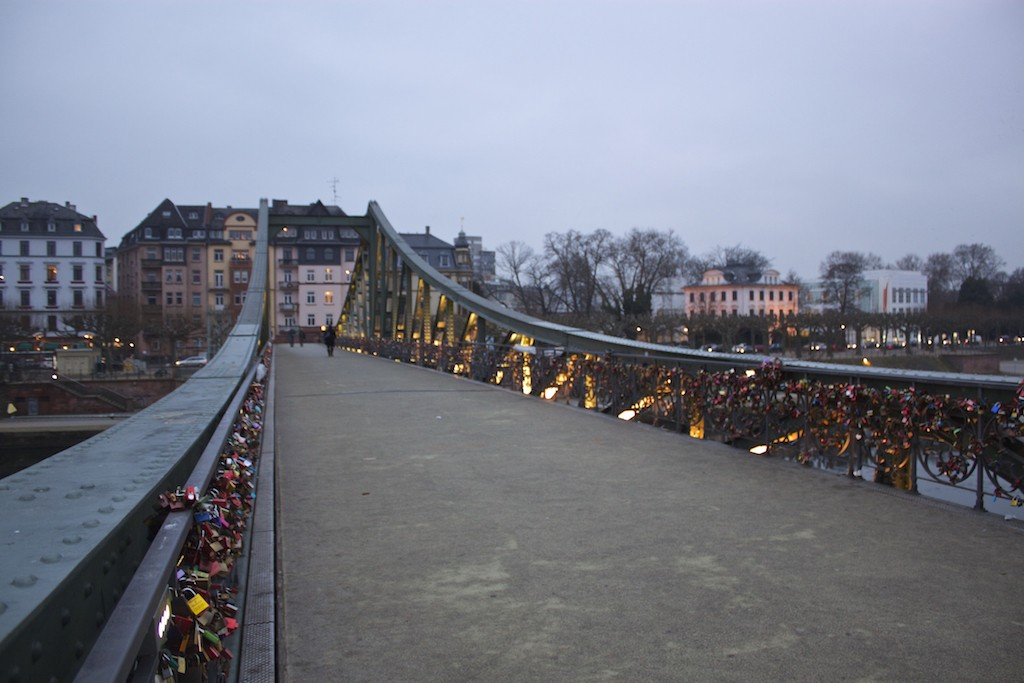 Frankfurt Photos - Eiserner Steg Love Locks