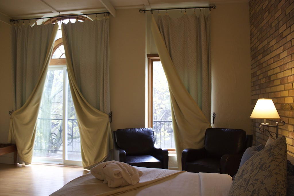 Benmiller Inn and Spa - Bed & Windows