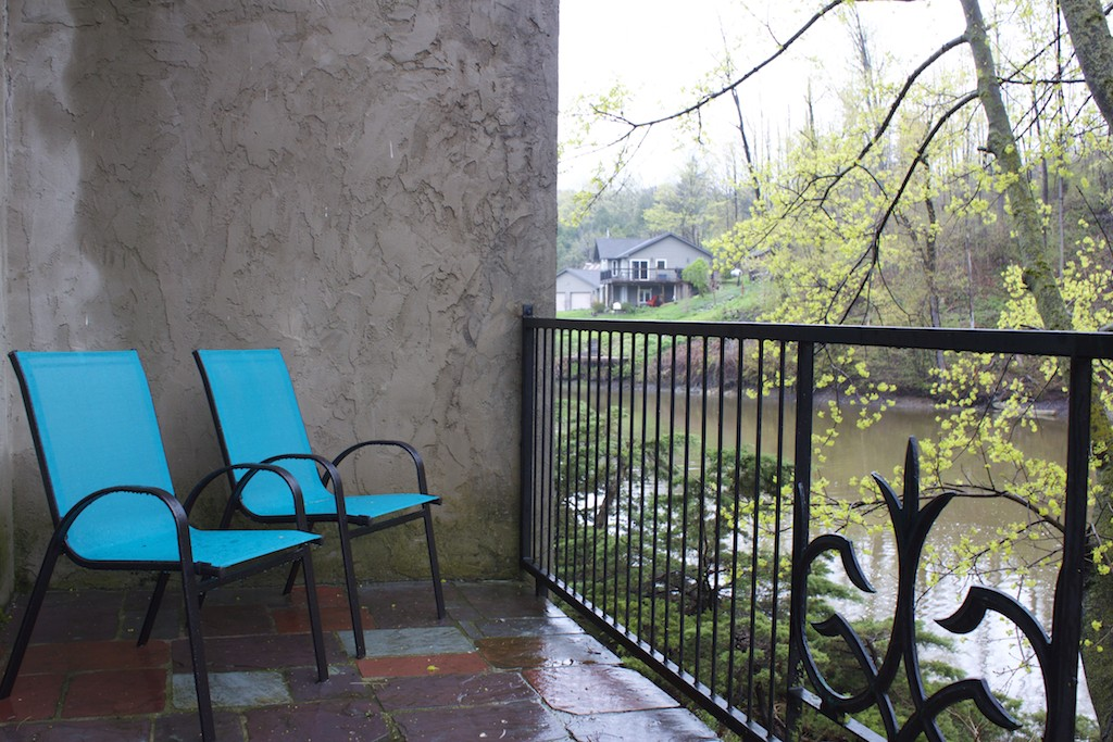 Benmiller Inn and Spa - Terrace & Chairs