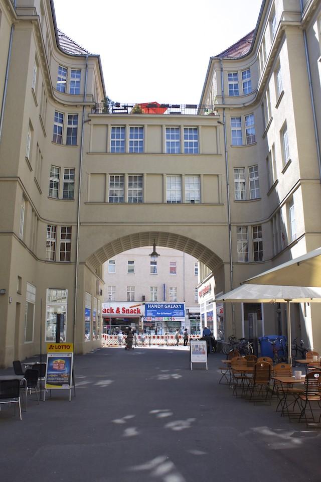 Berlin Walking Food Tour - Neukölln Opera Passage