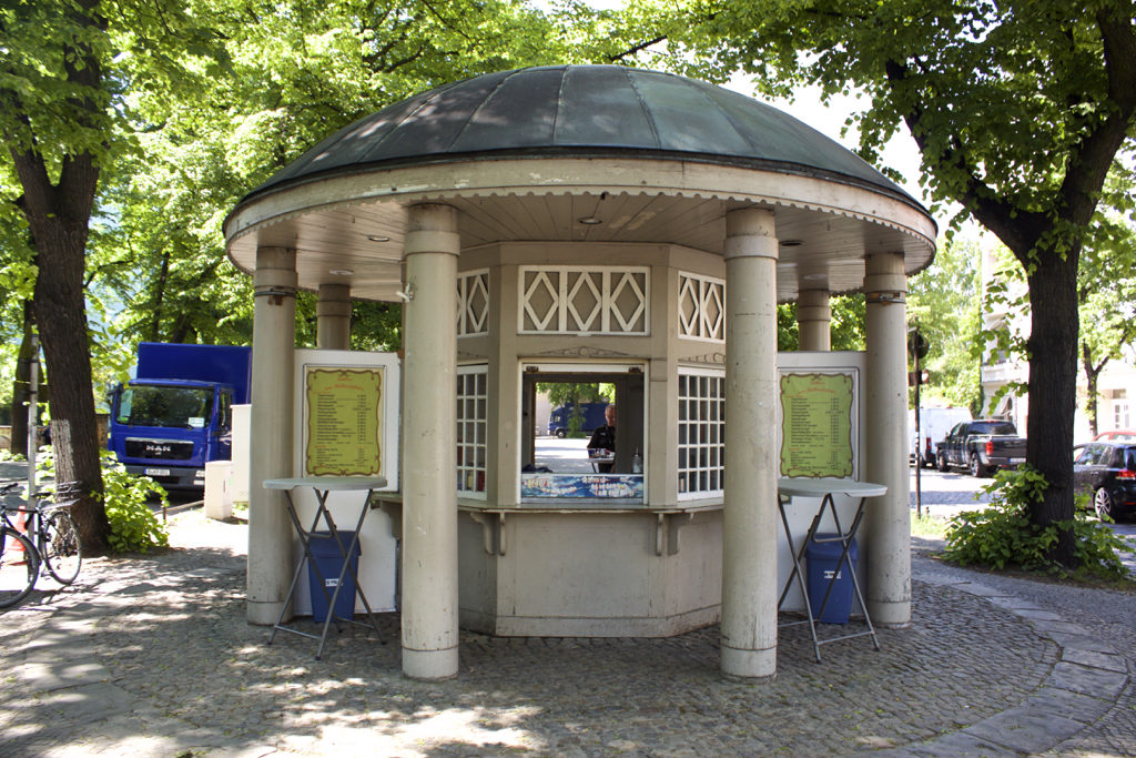 Berlin Walking Food Tour - Neukolln Rixdorf Kiosk Meetup Point