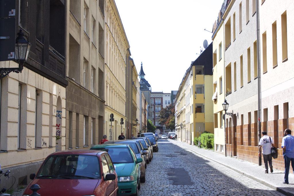 Berlin Walking Food Tour - Neukolln Streets