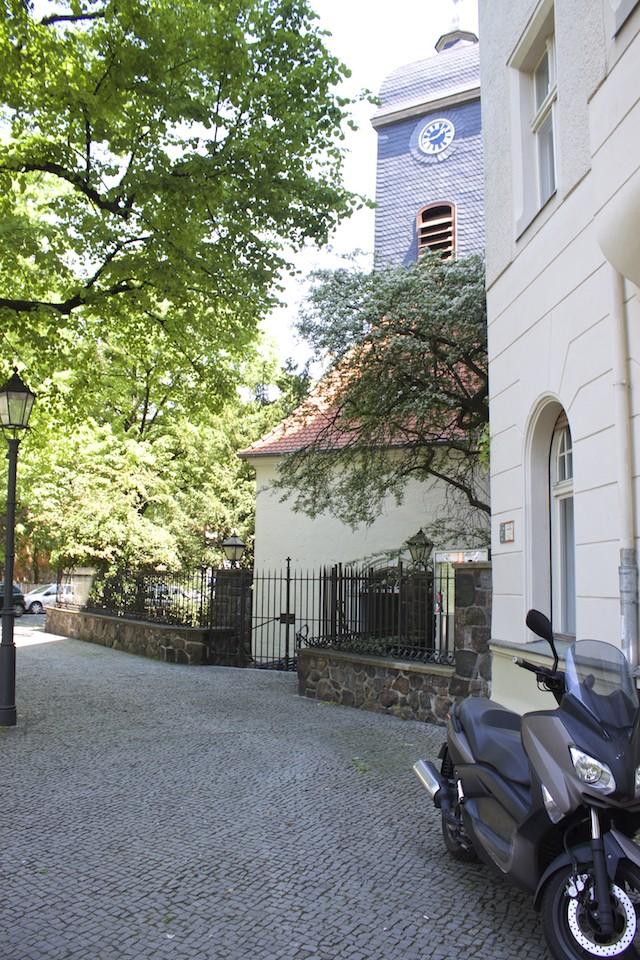 Berlin Walking Food Tour - Rixdorf Bethlehemskirche