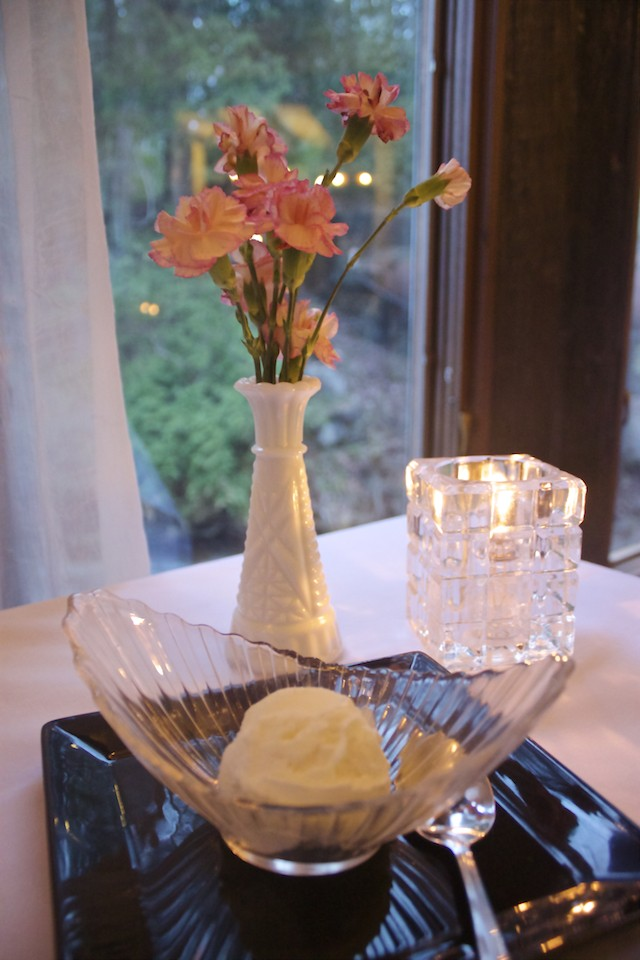 Benmiller Inn and Spa - Ivey Dining Room Vanilla Ice Cream Dessert