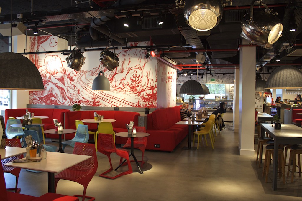 Radisson RED Brussels - OUIBar + KTCHN Restaurant