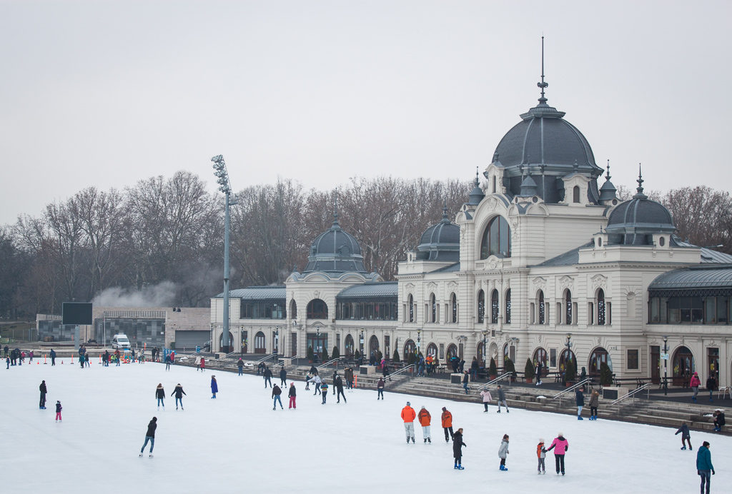 Weekend in Budapest - Ice Rink Budapest City Park