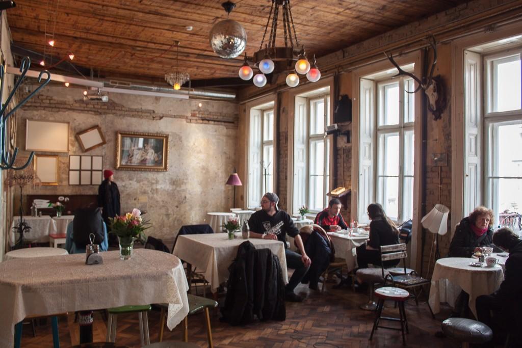 Weekend in Budapest - Szimpla Brunch Spot