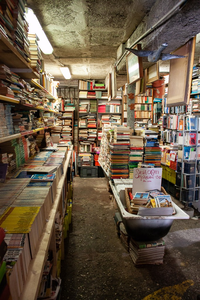 Libreria Acqua Alta Venice Interior