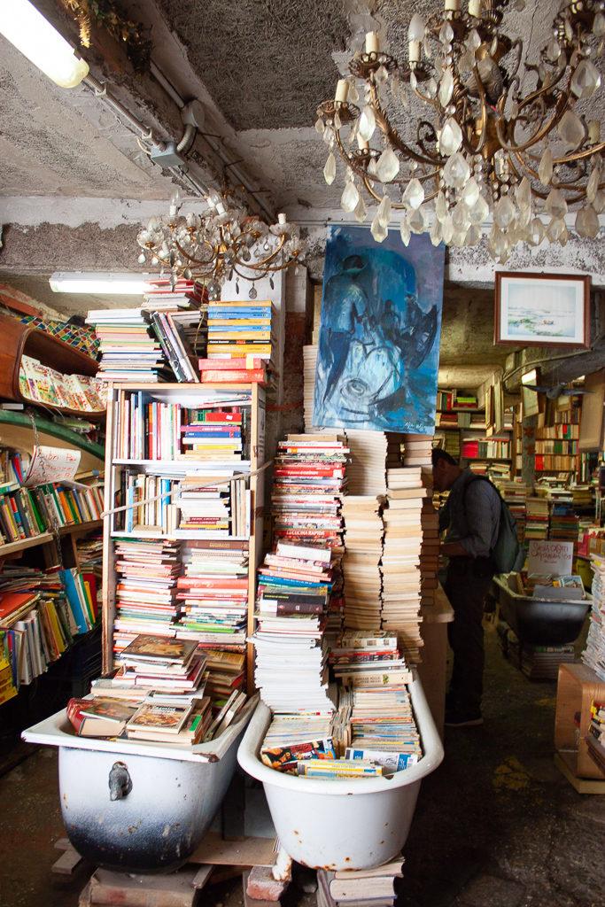 Libreria Acqua Alta Venice Italy Bath Tubs