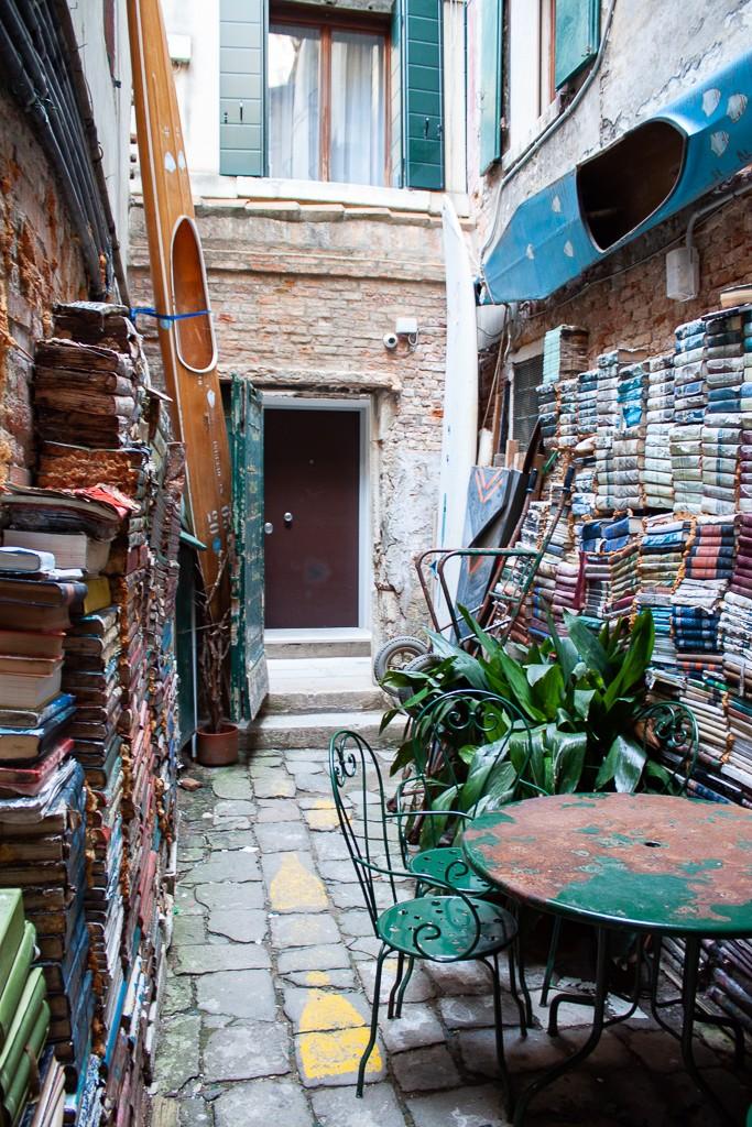 Libreria Acqua Alta Venice Italy - Outdoor Seating