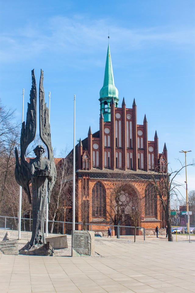 Visit Szczecin Poland - Solidarity Square and Angel of Freedom