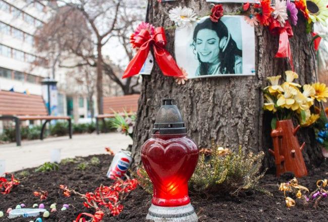 Michael Jackson Memorial Tree Budapest - Heart Candle Pepsi