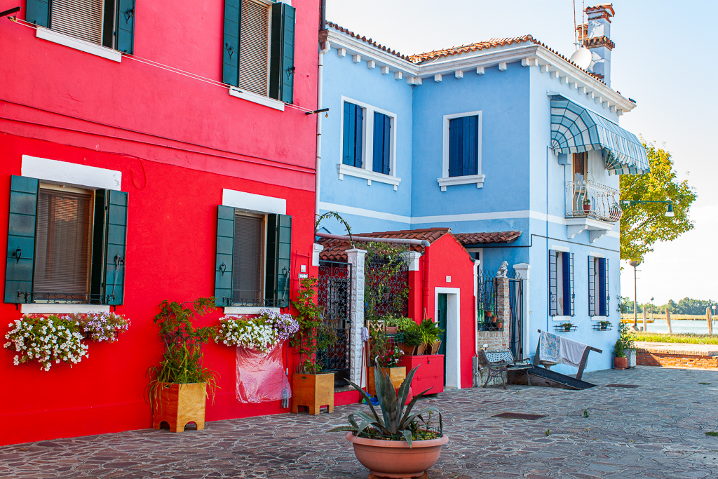 Visit Burano Italy Red Blue Combo