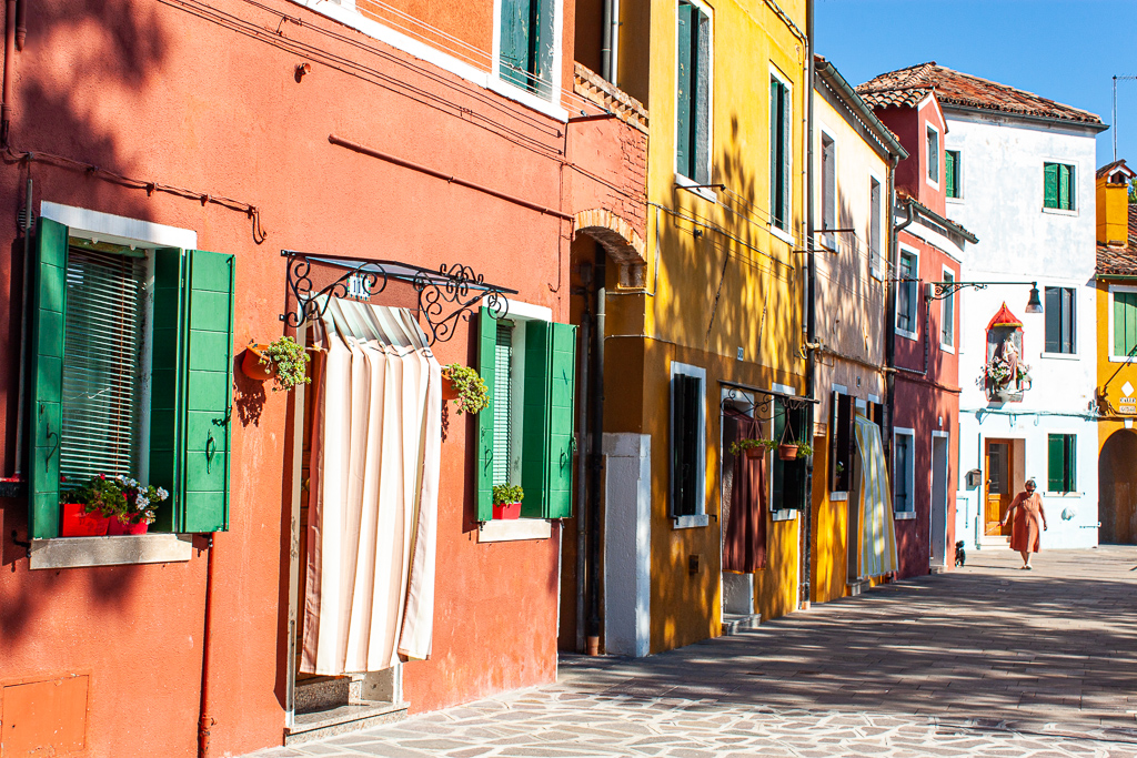 Visit Burano Italy - Street View