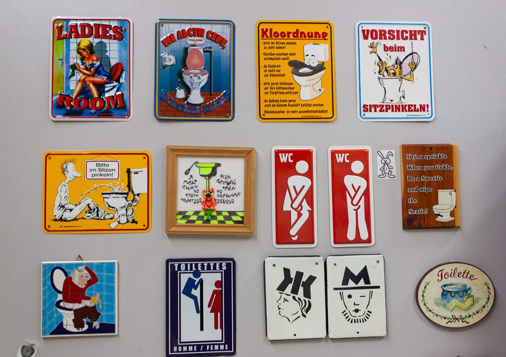 Museum Of Toilet History - Magnet Collection