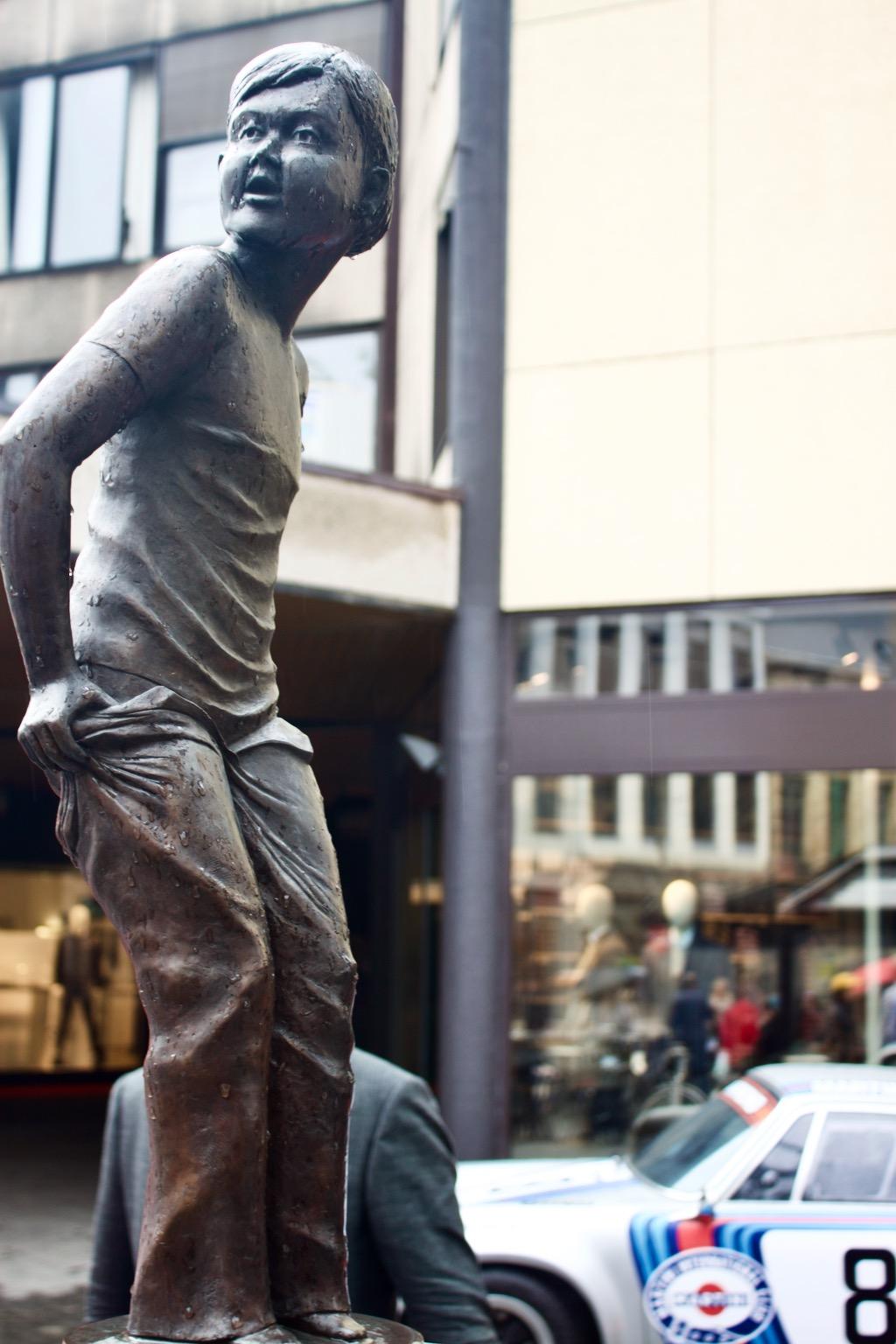 Den Deugniet Antwerp -The Rascal Statue