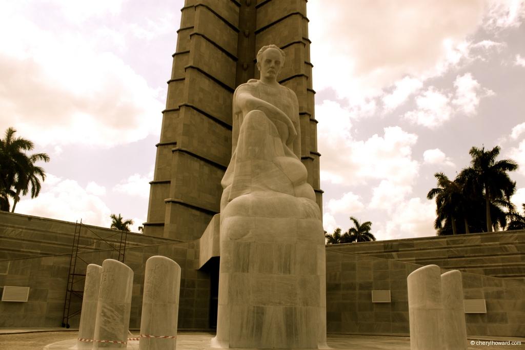 La Plaza de la Revolución - Jose Marti Memorial