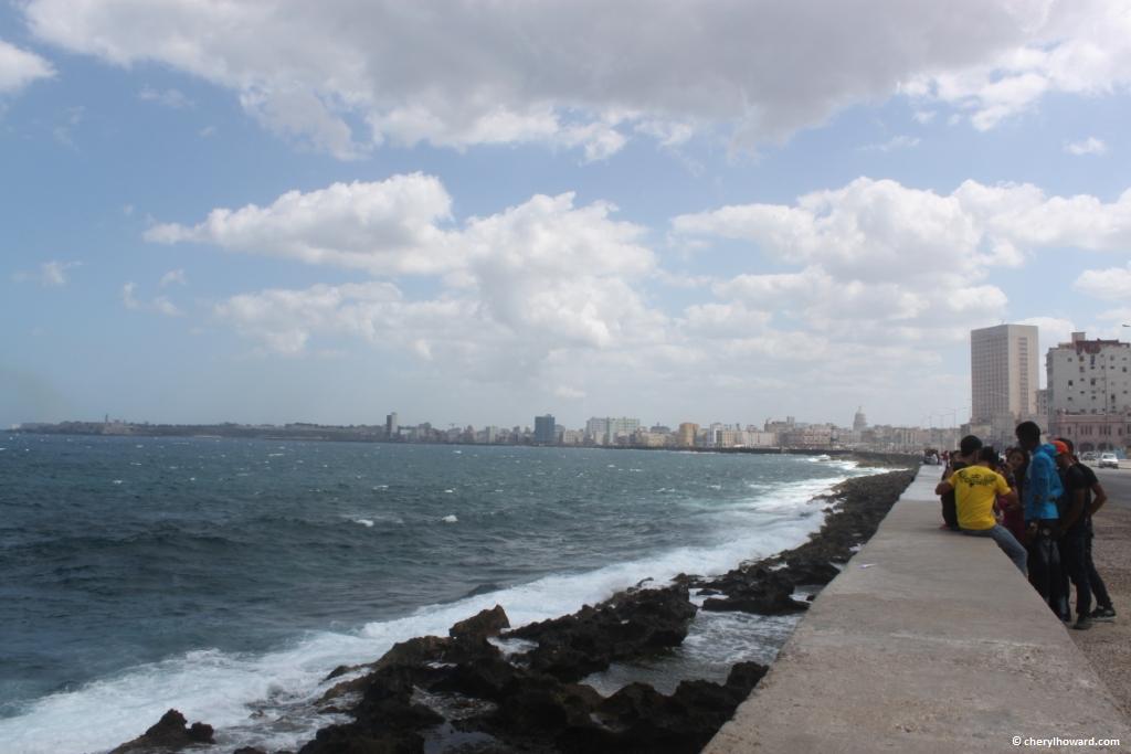 El Malecón In Havana - Young Boys